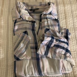 Flannel looking button up shirt